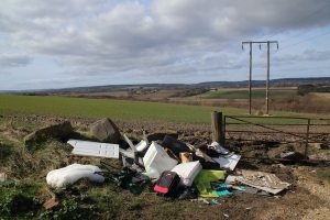 fly tipping 5023335 1920